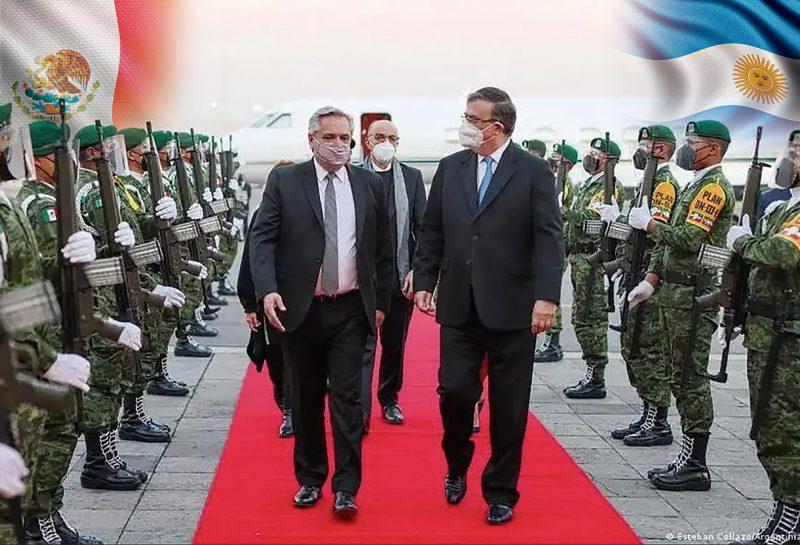 El Presidente de Argentina, Alberto Fernández arriba al aeropuerto de la cd de México y fue recibido por el Canciller de México, Marcelo Ebrard.